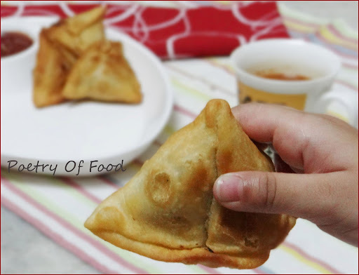 Alu Fulcopir Singara.....!! Samosa With Potato and Cauliflower Stuffing...!! Veg stuffed Indian Puff Pastry...!!