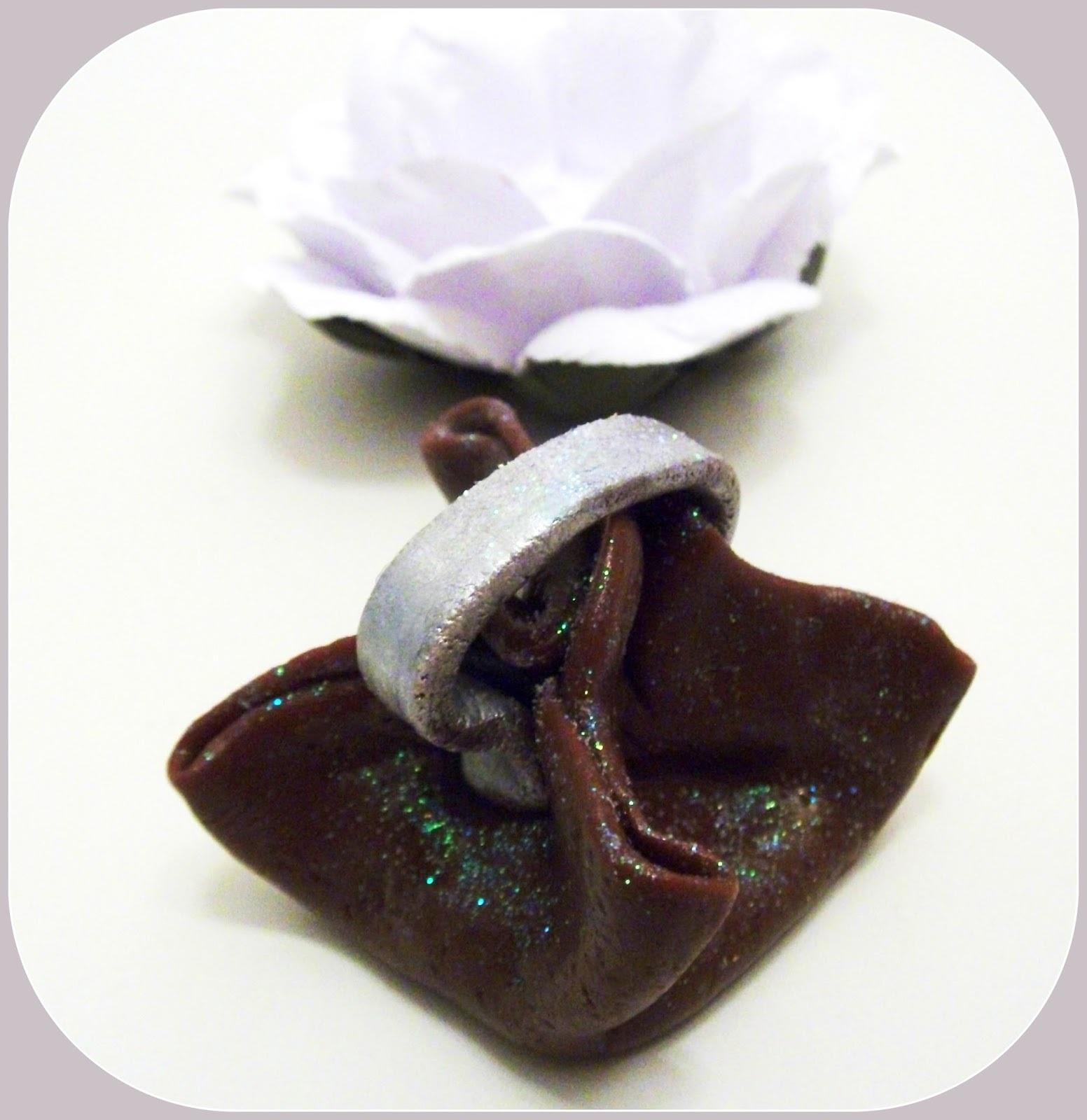 como fazer chocolates coloridos com pasta americana