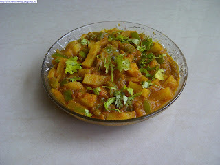 Potato Capsicum Masala (Aloo Shimla Mirch Ki Sabzi)