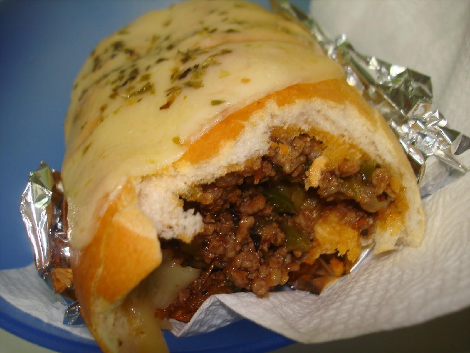 Gostosinho de Carne Moída e Queijo Derretido: Buraco Quente no Capricho!