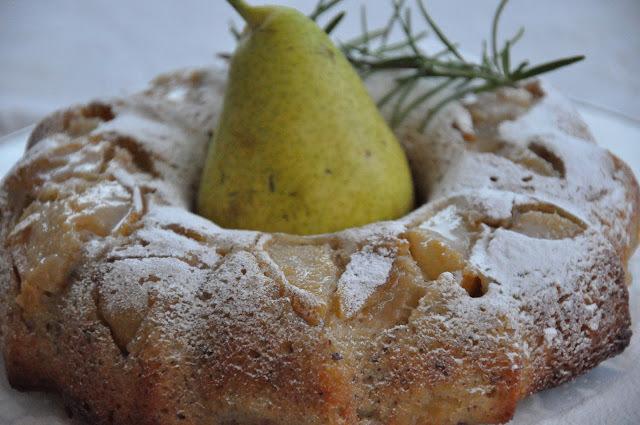 Torta de peras y romero