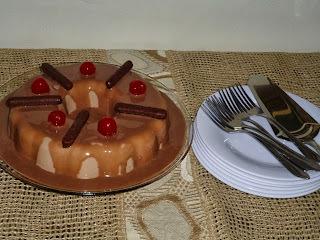 MANJAR DE MARIA MOLE  (CHOCOLATE) COM CALDA DE CHOCOLATE