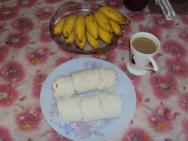 Puttu ( steamed cake)