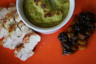 Csirke édesszósszal és brokkolis pürével