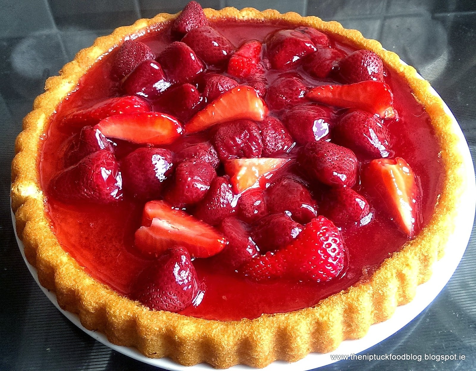 jelly and strawberry flan