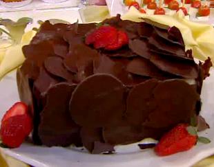 bolo de iogurte decorado com frutas