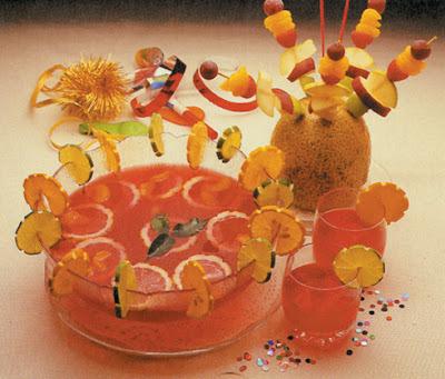Recette Punch aux canneberges et mini-brochettes de fruits
