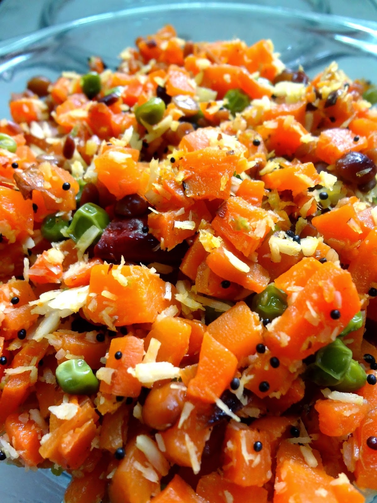 Carrot and green peas  stir fry  ( Poriyal )