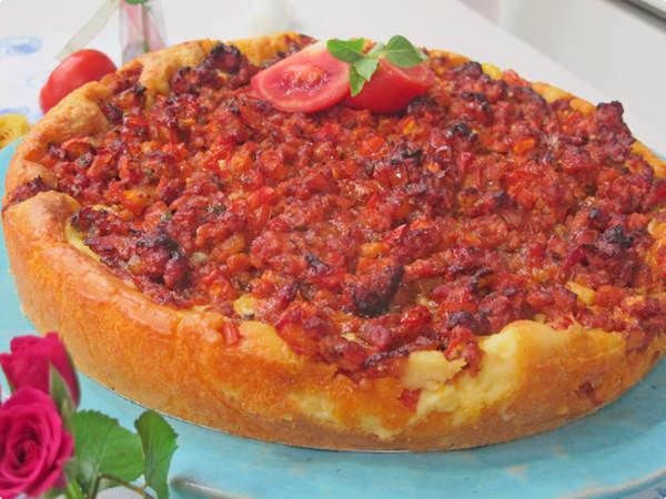 de torta saborosa de linguiça toscana