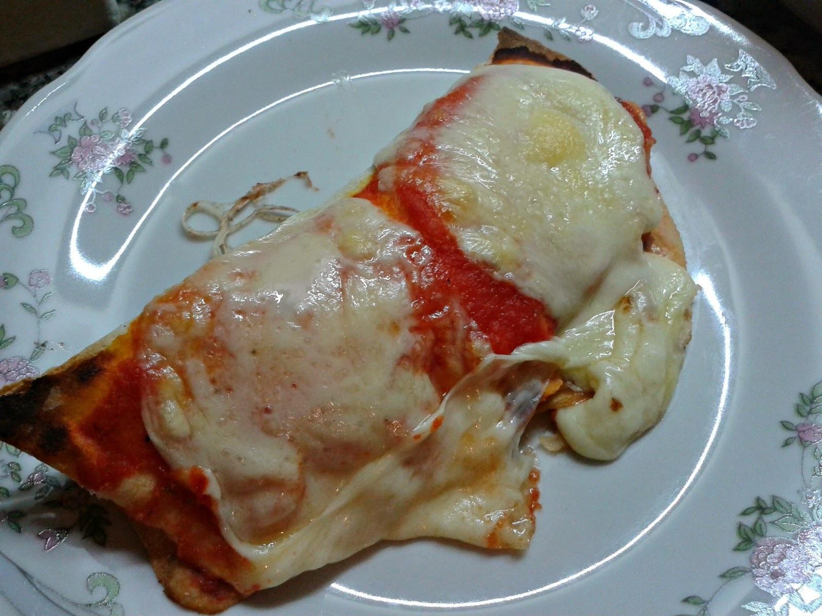 PIZURRITOS (o burripizzas, un burrito transformado en pizza, con masa de pizza)