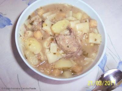 Sopa de Grão-de-Bico e Costelinha