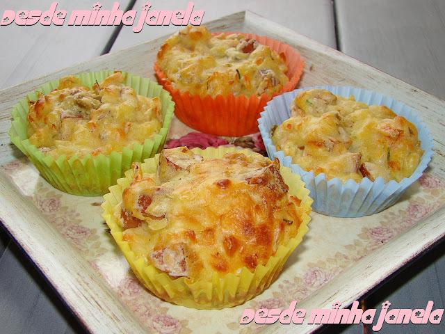 Muffins salgados de legumes e lingüiça calabresa