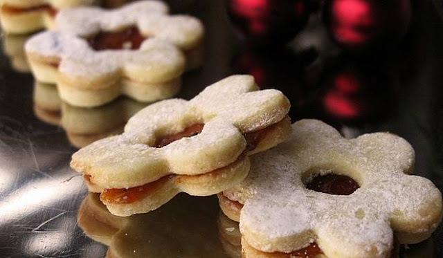 BOŽIĆNI CVJETIĆI: Recept za tradicionalne blagdanske kolačiće