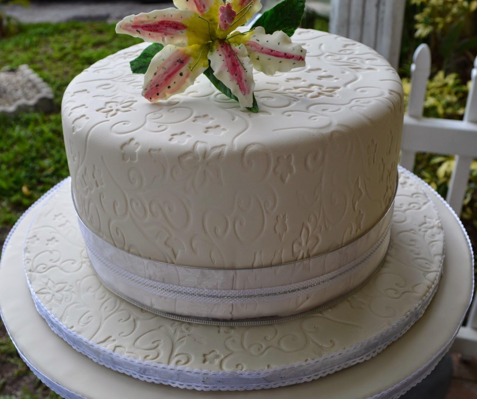 Bijela torta sa limunom i malinama