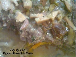 Bolo de Carne com Gorgonzola e Hortelã.
