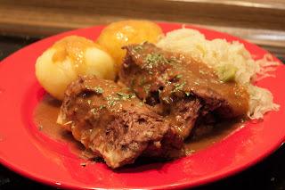 Klassische Rouladen in Rotweinsauce vegan
