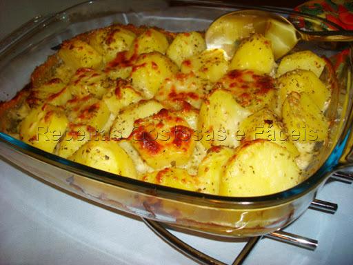 rodelas de batata rodelas de cebola sardinha em lata forno