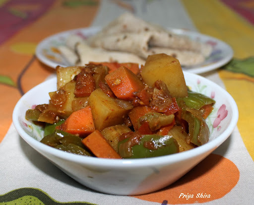 Mix vegetable Stir fry/ Green Bell Pepper Carrot Potato Stir Fry / Stir Fry capsicum with carrots and potato