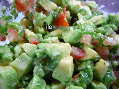 Salsa de palta, tomate y cebolla de verdeo