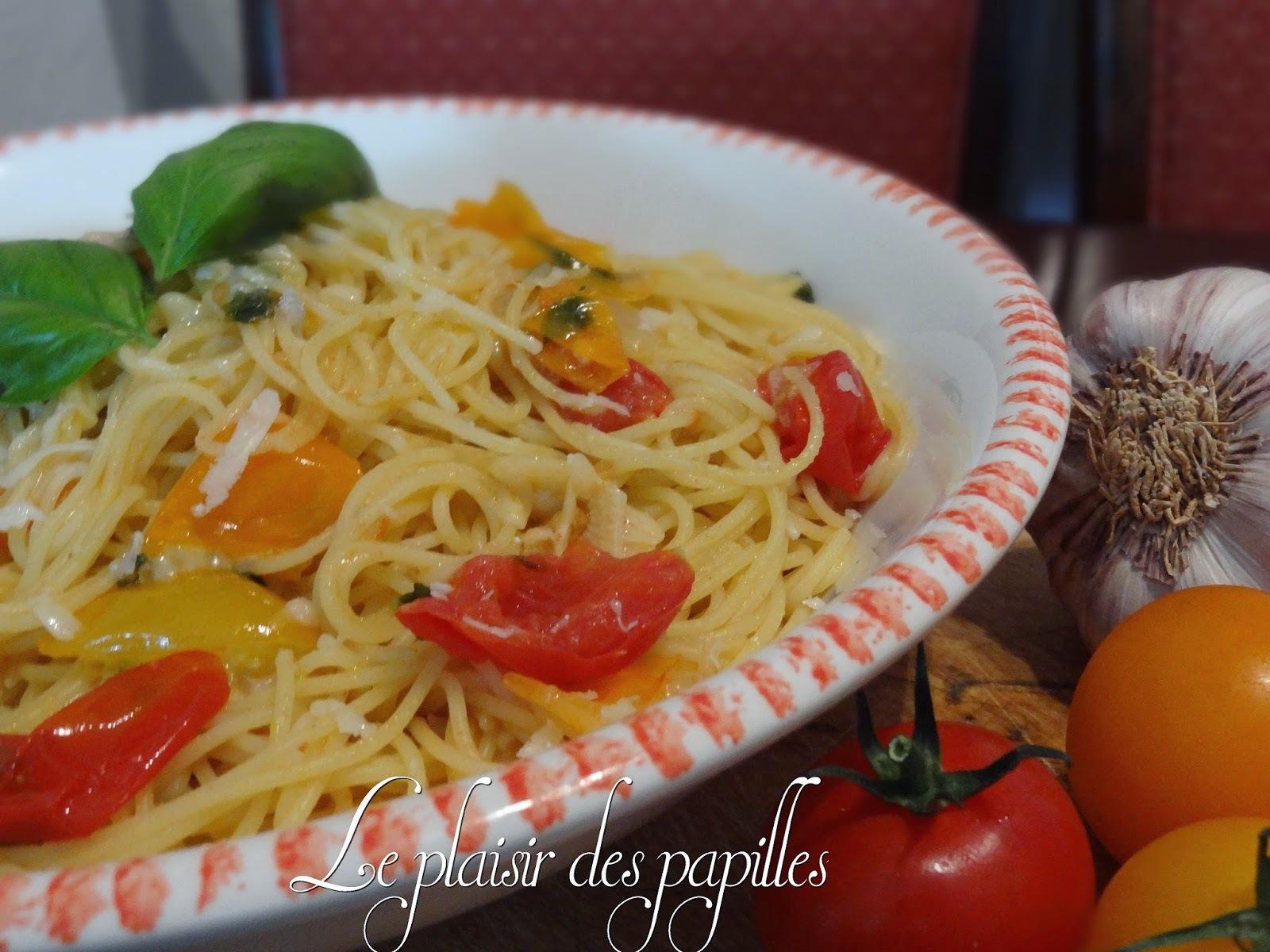 ~Spaghettis (vermicelles) à l'ail et aux tomates fraîches~