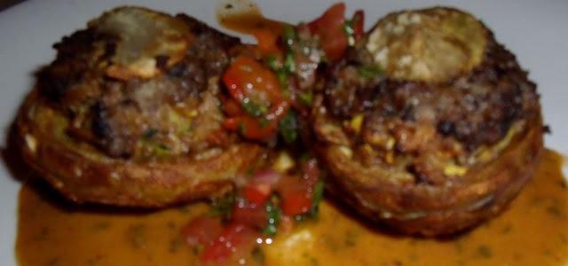 Recette de fonds d'artichauts farcis au foie gras, farce de veau et truffes [menu de fête]