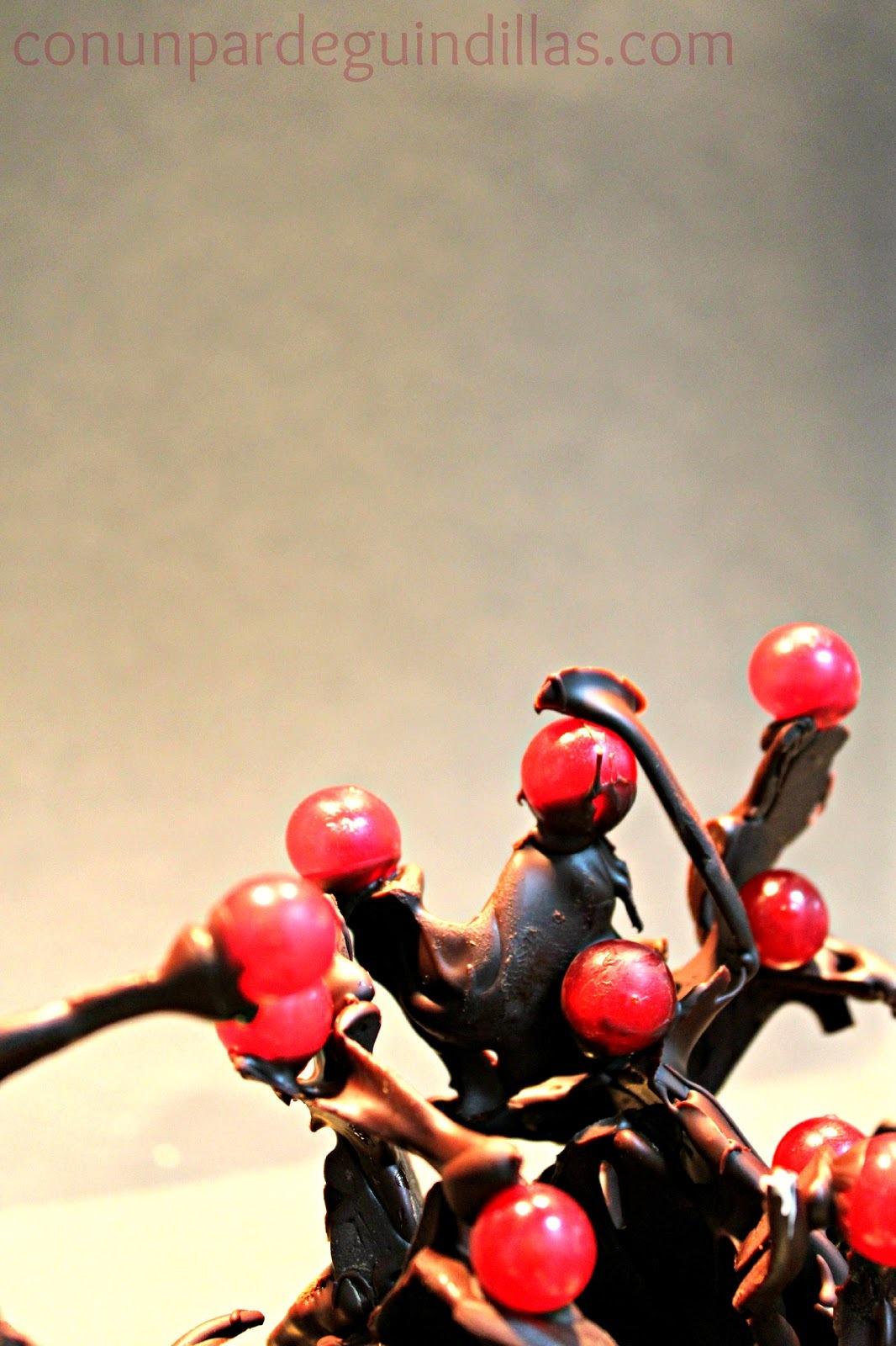 Bosque de chocolate y frutos rojos