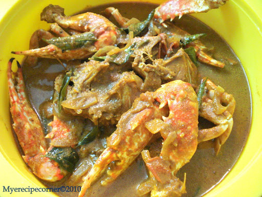 Nandu Kulambu/ Kuzhambu( South Indian Crab Curry.)