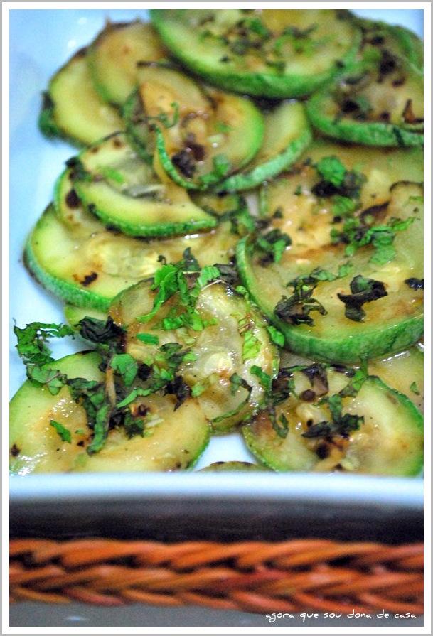 novos sabores: salada de abobrinha com hortelã