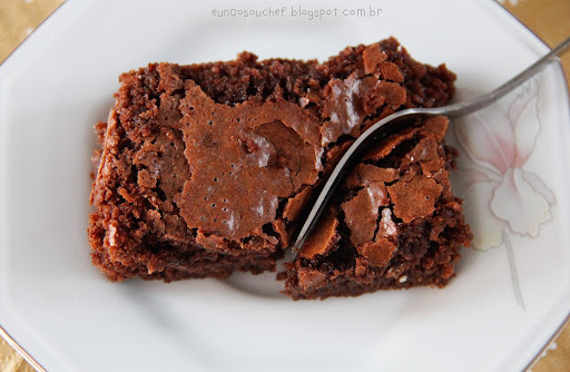 Bolo de chocolate tipo brownie