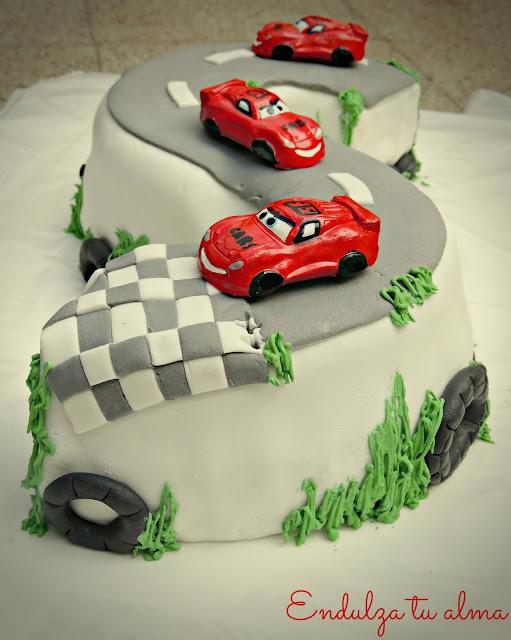 Torta para nenes: Pista de autos!