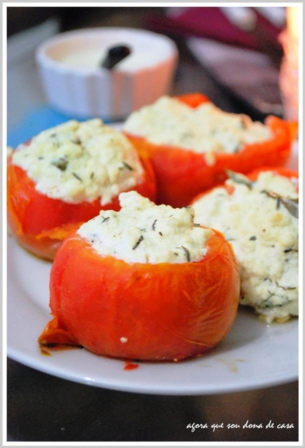 tomates recheados gratinados num jantarzinho caprichado