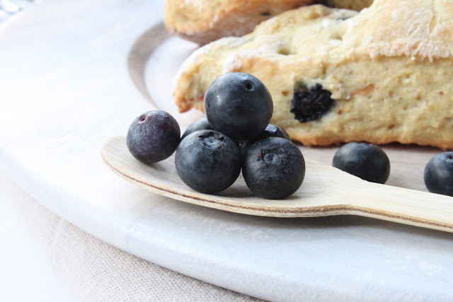 Blueberry Buttermilk Scones { sans beurre }