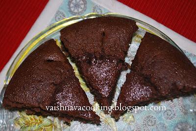 EGGLESS CHOCOLATE (CAROB) CAKE