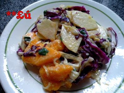 salada de repolho roxo com abacaxi e creme de leite