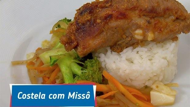 COSTELA DE PORCO COM MISSÔ: RECEITA DA FAMÍLIA SAKATSUME