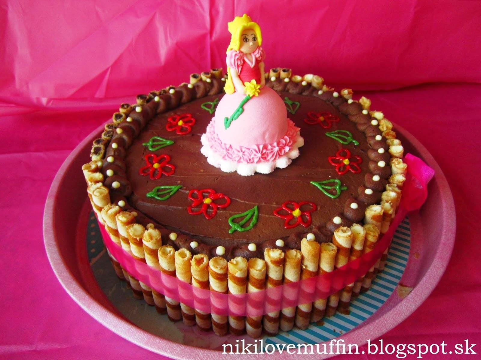 Narodeninová torta: nutellovo-orechová s mascarpone-šľahačkovým krémom a banánom