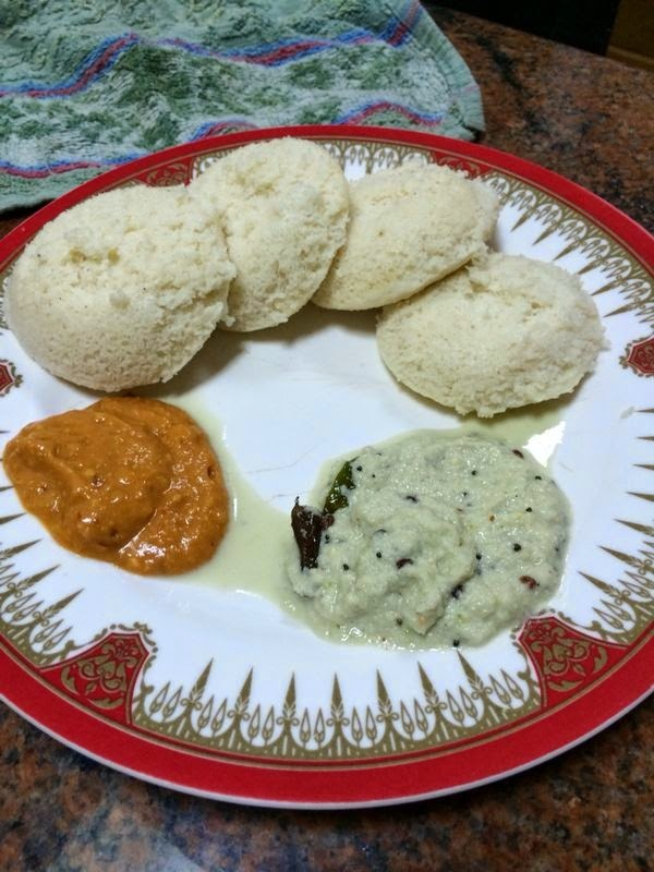 Mallige Idli with Tomato Chutney and Coconut Chutney