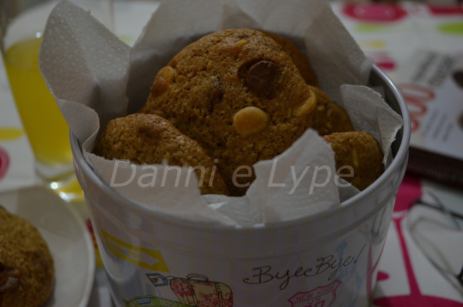 Cookies de Aveia, Chocolates e Amendoim