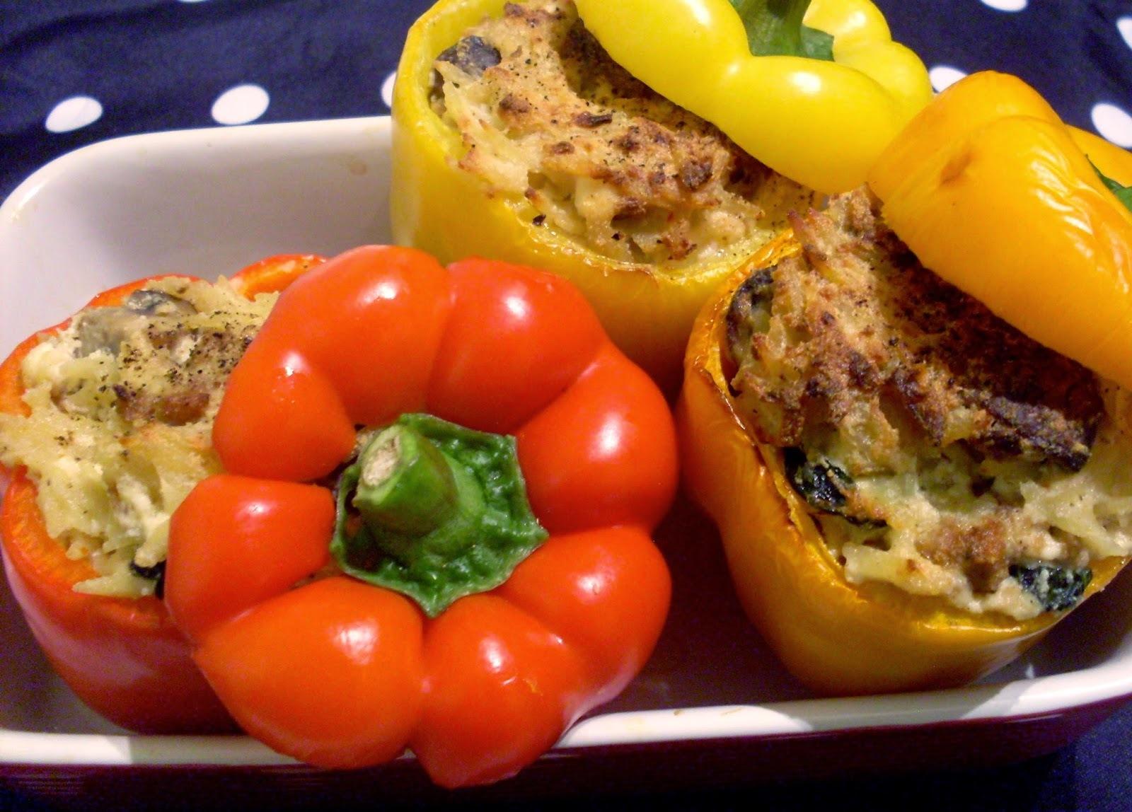 Poivrons farcis aux champignons, orzo, ricotta et saucisse italienne