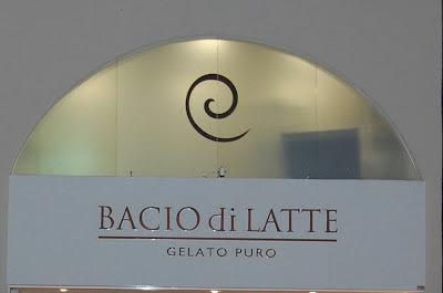 Uma atmosfera italiana com sorvete artesanal: Bacio di Latte