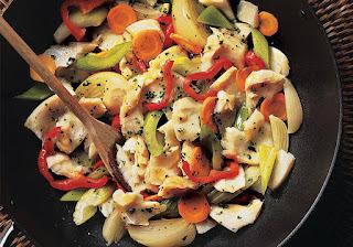 Bacalhau em Lascas com Legumes e Coentro