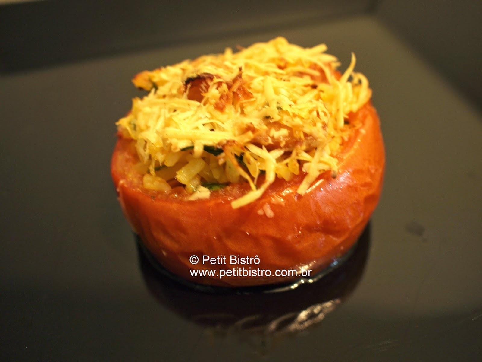 pernil assado e tomate recheado