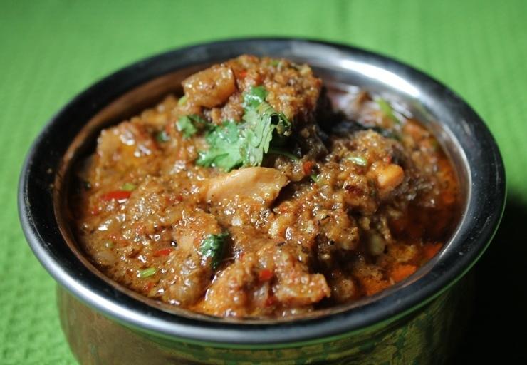 Chettinad Chicken Curry Recipe / Chettinad Chicken Kuzhambu Recipe