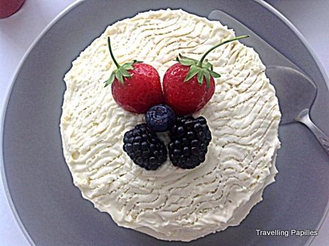 Fraisier Japonais au chocolat blanc: un gâteau pour Yumi!