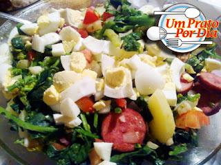 A Salada de Inverno de Brócolis da Vó Bisa... É o Prato do Dia!