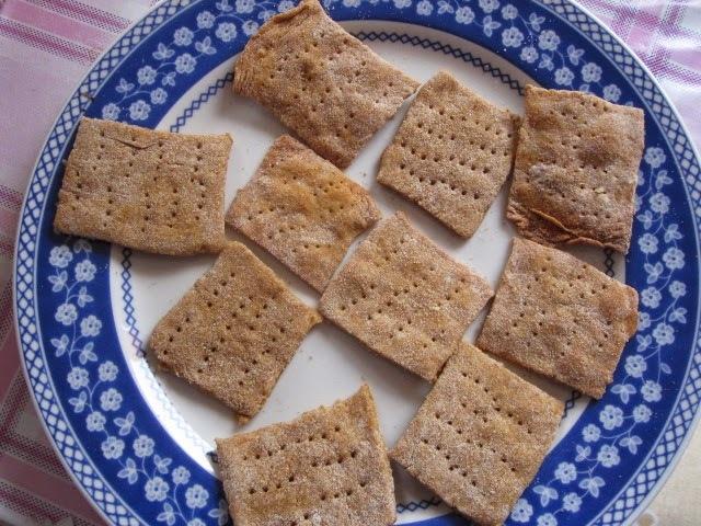 Biscoitos cream-crackers