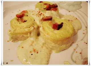 Rondelli 4 Queijos ao Molho de Cebolinha e Bacon