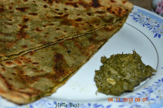 Mustard Filled Chapati (Saag k parathay)