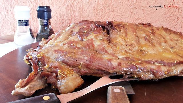Paleta de Porco Assado com Sal Grosso e Limão