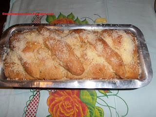 de pão caseiro feito com leite condensado
